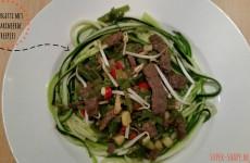 Koolhydraatarm recept voor courgetti met gemarineerde biefreepjes