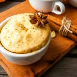 Warme mugcake met appeltaartsmaak