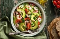 koolhydraatarme salade met garnalen