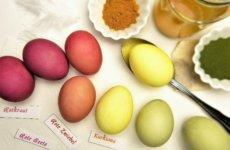 Paaseieren verven met voedingsmiddelen